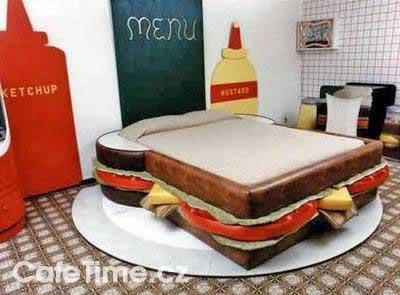 cafetime-cz-91-Gluttons-Bedroom-vtipne