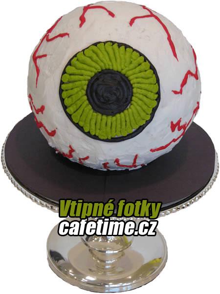 dort ve tvaru oka. Fotka dortu.